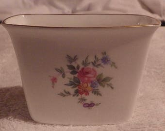 Minton Marlow Pattern Bone Chine Made In England Cigarette Holder.