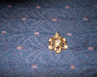VINTAGE RIBBON TWIRL Petite Delicate PEndanT Bling Goldtone