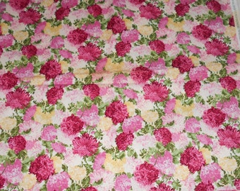 Fabric (NEW) - 2 yards - Fabricland 100% Cotton - FREE SHIPPING - Flower Fabric - Shabby Chic