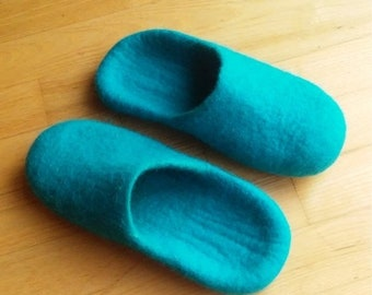 Summer Sale Handmade wool felted slippers - house shoe - turquoise - rubber soles