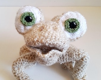 MEDIUM SIZE - Crochet Oscar the Lizard Stuffed Toy - Adorable Crocheted Stuffed Toy with Expressive Face - Oscar's Oasis - Safe for Babies