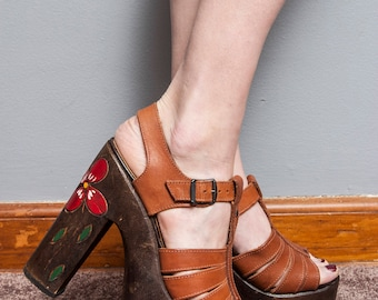 Vintage 1970's | Carved | Red Floral | Wood | Brown | Platform | Sandals | Boho | 8