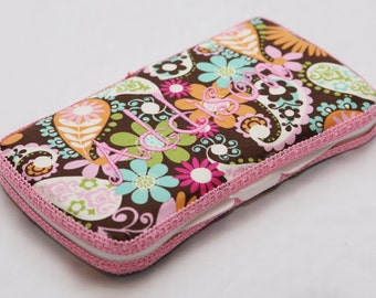 Personalized Wipes Case - Pretty in Paisley