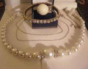 Lovely Small Costume Jewellery Lot