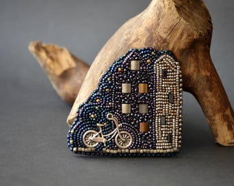 Amsterdam by Night - Bead Embroidery Brooch