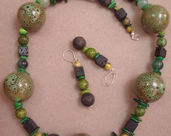 "I Feel Green - necklace and earrings made of porcelain, lava, agate, nacre, ""african turquoise"" and silver"