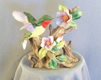 MR Hummingbird Figurine // Porcelain // Hand Painted // Exquisite // Very Detailed // Dimensional // Fine Porcelain // Great Gift Choice