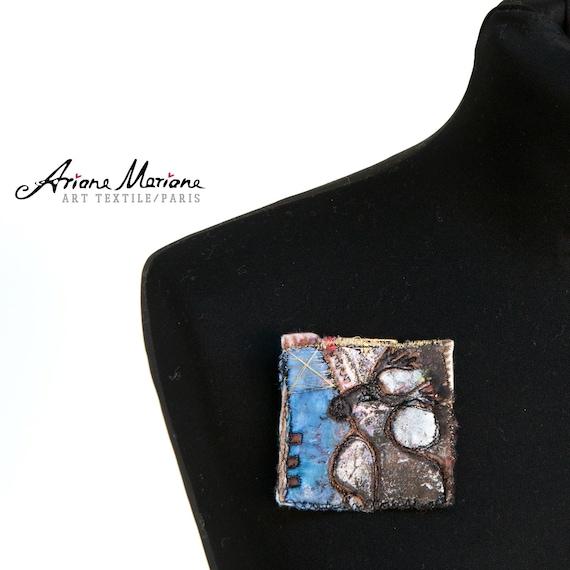 Reversible Art Pin  - Certificated Mini Art - Original Fiber Art from France - Paris - Art Accessories
