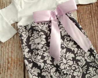 Newborn Layette, Infant Gown, Baby Gown - Girl - Gray Damask wth Pink Bow