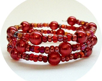 Red Beaded Bracelet Seed Bead Glass Beads  Memory Wire Shades of Red Wrap Bracelet  Christmas Red  Holiday Jewelry Red Jewelry Red Bracelet