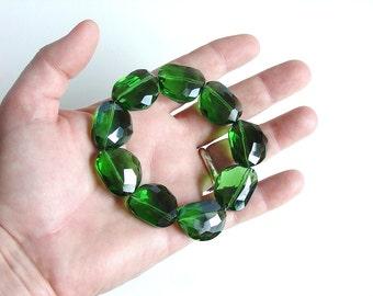 Chunky Green Crystal Bracelet / Emerald / Kelly Green / Statement Jewelry / Bold / Stylish / Modern / Classic / Crystal