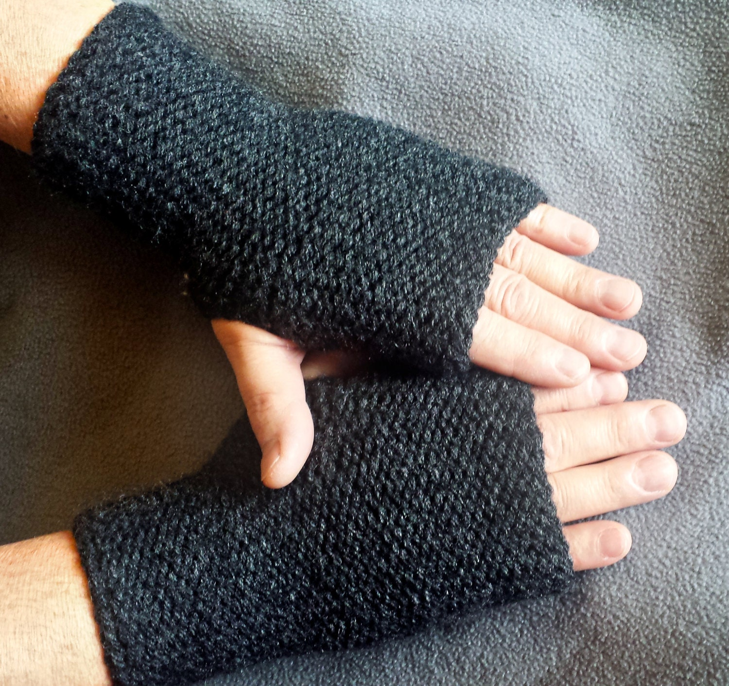 LOOM KNITTING PATTERNS Squishy Fingerless Gloves and Wrist Warmers ...