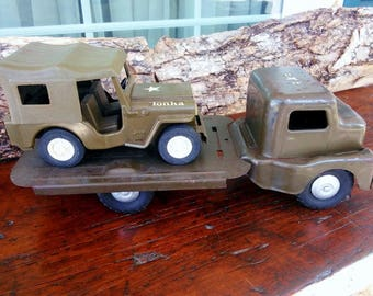 Vintage Military Combo, Vintage Tonka Jeep, Antique Structo Military Flatbed 1940s, Pressed Steel Military Commander, Two vintage vehicles
