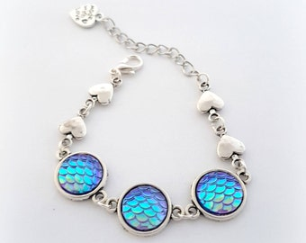 Mermaid love bracelet, iridescent scales bracelet, pastel goth jewelry