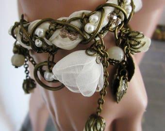 Flowers shabby chic bracelet