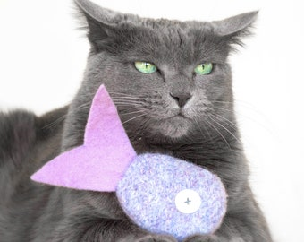 Catnip Toy. Cat toy. Catnip Fish. Lilac. Tropical Fish. Organic Catnip. Felt Cat Toy. Purple Cat Toy. Toys For Cats