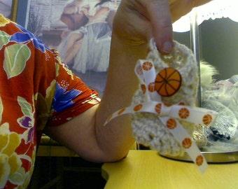 Crochet lacy baby booties