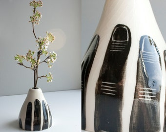 Grasp (Vase) OUT OF STOCK