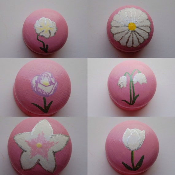 White Flower Drawer Knob/ Cupboard Handle- Hand Painted 6 Designs Snowdrop, Tulip, Crocus, Pansy, Daisy- 3 Sizes Available 30mm, 40mm, 53mm