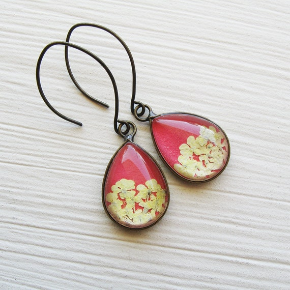 Real Pressed Flower Earrings - Tiny Teardrop Real Queen Annes Lace Earrings - White and Coral