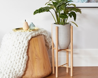 Small/tall pot planter with timber legs - Eva series - CONCRETE