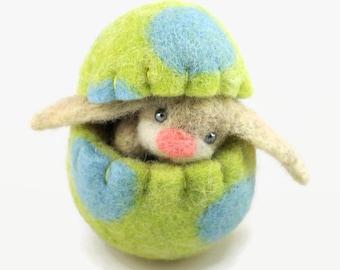 Felt Easter Bunny in an Easter Egg - Easter Decoration - Easter Gift - Easter Egg Ornament