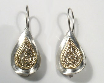 Gold filigree water drop, soldered on curved silver.Two tone earrings, gold filigree on sterling silver drop,bridal elegant dangling earring