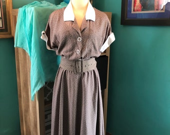 Vintage taupe dress with white dots