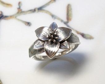 Trillium Wildflower Botanical Ring Sterling Silver