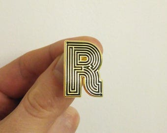Labyrinth Letters - R - Enamel Pin