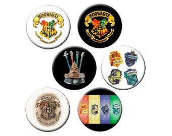"""POUDLARD 6 épingles à Sm ou Pin L ou L aimant - choisir 6 Sm 1.25"""" boutons de Poudlard, une Lg 2.25"""" broche ou un Lg 2.25"""" aimant Harry Potter Crest"""