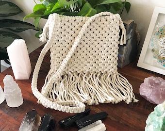 Macrame Crossbody Purse, Tasseled Macrame Handbag, Handmade Vintage Style Macrame Purse, Bohemian Woven Handbag, Boho Purse