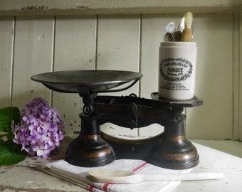 Ornate Vintage Enamel Kitchen Scales   Vintage Kitchen Scale   British Scale    Vintage Scale   Rustic Scale   Kitchen Scale   Kitchen Scales