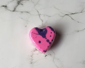 Raspberry vanilla scented heart shaped bath bomb - Gift for her - Heart shaped bath fizzy