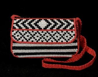 Plastic canvas purse pattern