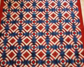 Pinapple Quilt in red white and blue