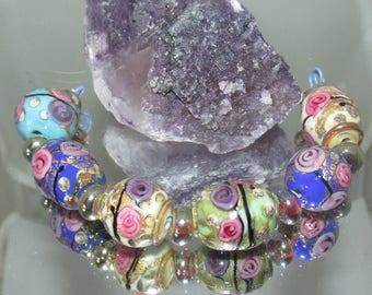 CHINA DOLL. Lampwork beads.