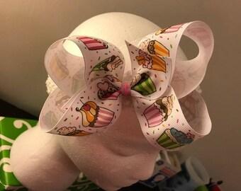 Cupcakes & Confetti Bow