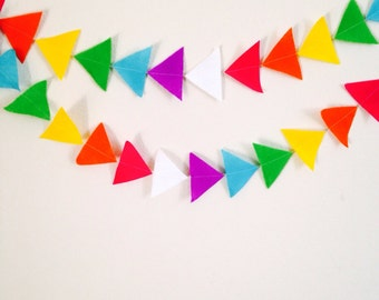 Triangles | Arrows | Felt Garland | Nursery Decor | Kids Room | Custom Colors