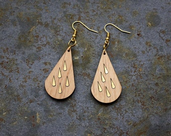 Wooden earrings, rain drop, gold color crochet, elegant feminine, original trendy design, perfect for a present, handmade in France, Paris