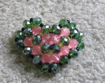 Heart-shaped bead green & pink broach