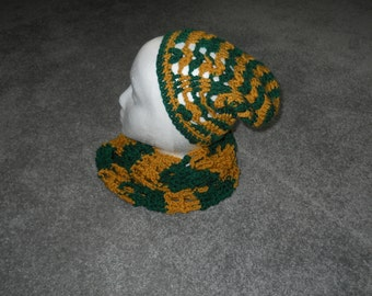 Team Green/Gold or Red/Royal Blue Teen/Woman's Open Weave Crocheted Infinity or Open End Scarf Perfect for Favorite Sports Team/School/Etc.