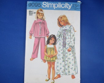 Simplicity 9095 Sewing Pattern - Child and girl pajamas in two lengths and nightgown Size 4