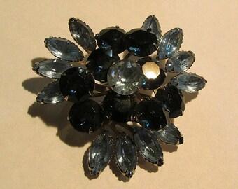 Vintage mid century sapphire BLUE RHINESTONE BROOCH jewelry pin