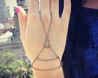 little scarab slave bracelet, scarab hand chain, bracelet ring, slave ring, hand harness, Egyptian jewelry