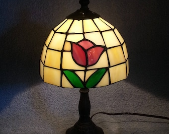 Stained Glass Lamp - Floral Theme - Accent Lamp