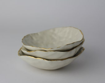 "RING BOWL.  4"" Modern Textured Ceramic White Ring Dish/Bowl with Gold Rim."