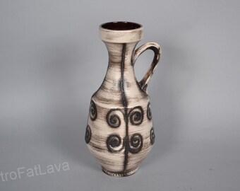 German vase by Ilkra Edelkeramik  2022/30