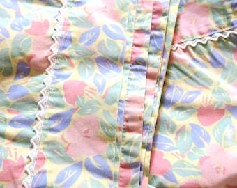 2 pc Laura Ashley 2 Pillow Cases  50 pct cotton 50 pct polyester NOS