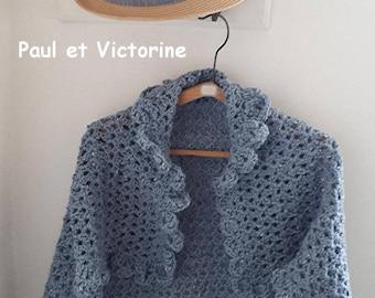 Shoulder wrap crocheted blue